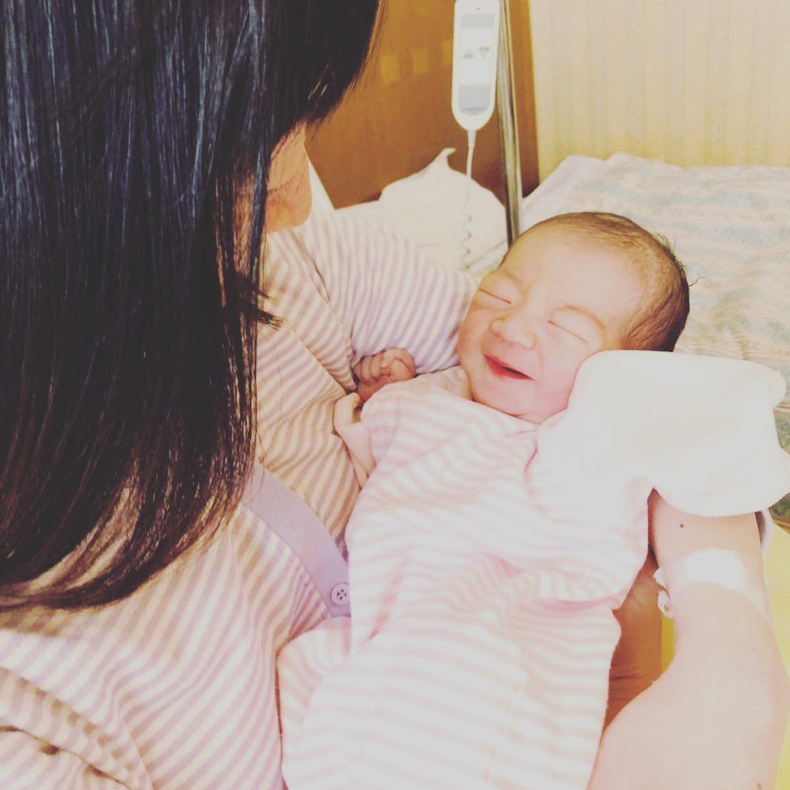 無事赤ちゃん出産しました!元気な女の子ですおかげさまで母子ともに元気です。赤ちゃんが沢山のしあわせを運んでくれて毎日感謝です。これからもこの気持ちを大切にしてそしてこの子に伝えながら主人と二人で協力して頑張っていきたいと思います。本当に沢山お世話になりありがとうございました!おめでとう~お二人がいつも同じ方を向いて一生懸命だったからきっと赤ちゃんに通じたんやね本当に良かったね~【予約・お問い合わせ】#ナオエ夢鍼灸院( #滋賀 #近江八幡 )℡0748-32-1172 #鍼灸 #妊活 #不妊治療 #妊活鍼灸#不妊#赤ちゃんがほしい #ベビ待ち #ママになりたい #妊活記録 #温熱#癒し#大津 #石山 #草津#南草津 #栗東#堅田 #守山 #野洲 #彦根 #東近江